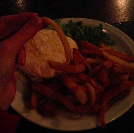 """Wilkenny: Aquele negocio branco é o """"pão de hamburguer"""""""