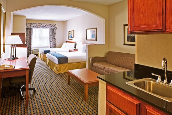 Holiday Inn Express Hotel & Suites Dallas/Stemmons Fwy(I-35 E): Two Queen Suite