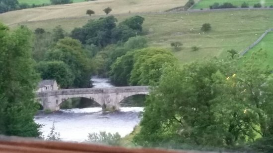 Burnsall, UK: 20160804_205057_large.jpg
