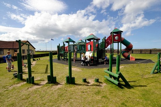 Lyons Robin Hood Holiday Park: image of kids playing area