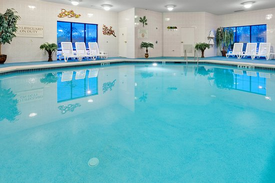 swimming pool picture of holiday inn express hotel. Black Bedroom Furniture Sets. Home Design Ideas