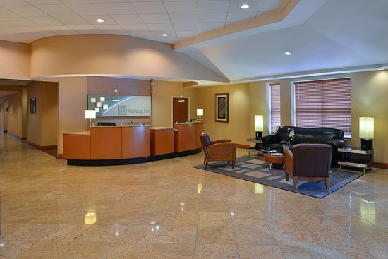 Martinsburg, Virginia Occidental: Take a seat in our lobby to use free WiFi