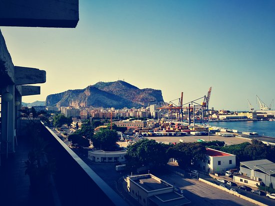 Hotel ibis Styles Palermo : View from bar on rooftop