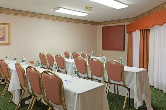 Holiday Inn Express Great Barrington: Meeting Room