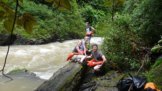Drake Bay, Costa Rica: Even rusten langs de rivier