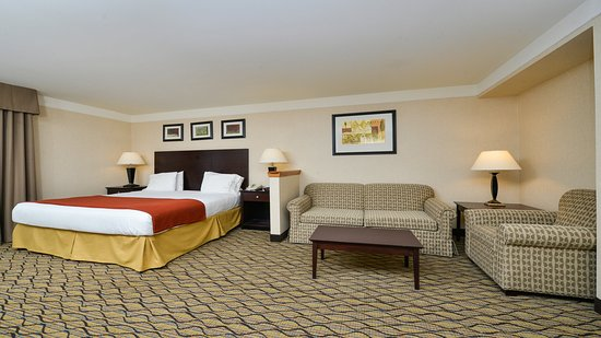 Holiday Inn Express Great Barrington: King Studio Suite