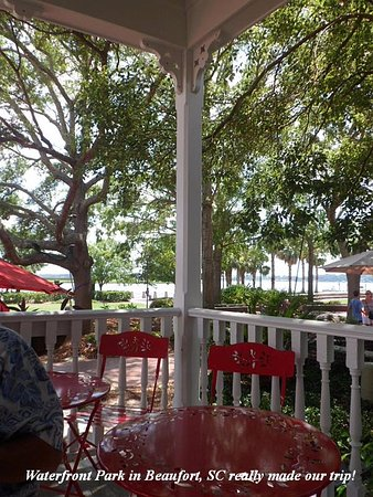 Common Ground: A truly charming place at the Waterfront Park....check it out!