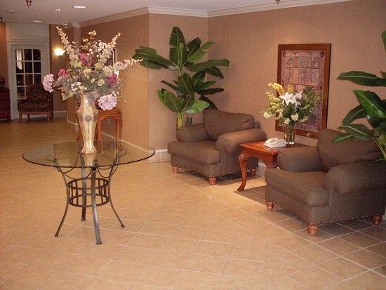 Irondale, AL: Hotel Lobby