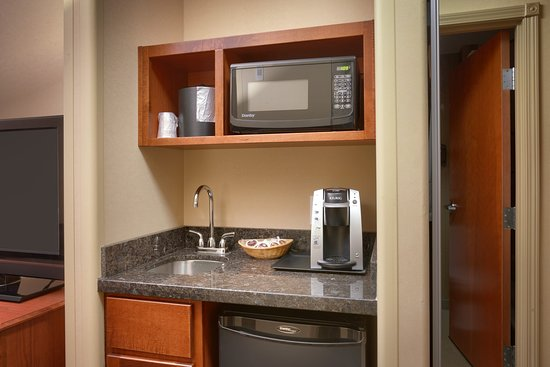 Holiday Inn Express Hotel & Suites Grand Junction: King Suite Wetbar