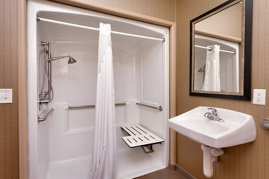 Holiday Inn Express Hotel & Suites Grand Junction: King Guestroom Roll In Shower