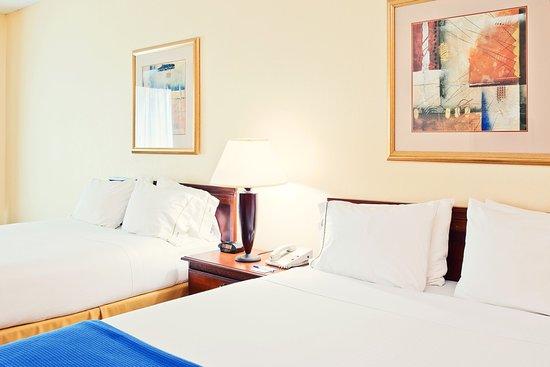 Enterprise, AL: Queen Bed Guest Room
