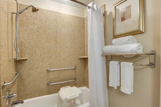 Harvey, LA: ADA/Handicapped accessible Guest Bathroom with mobility tub