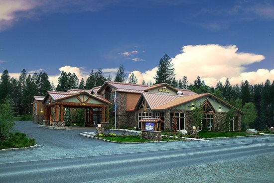 Holiday Inn Express & Suites - The Hunt Lodge: Hotel Exterior