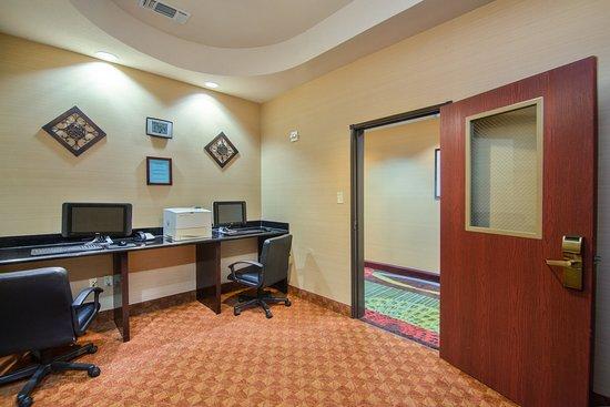 Terrell, TX: Business Center