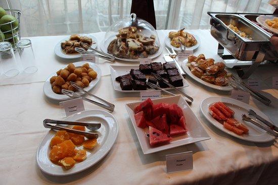 BEST WESTERN Lozenetz Hotel: More foods for breakfast - absolutely divine!