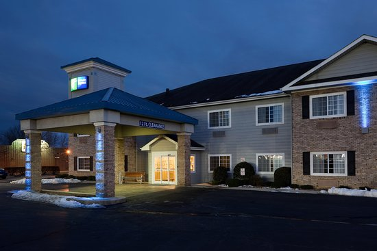 Holiday Inn Express Hendersonville Flat Rock: Exterior Feature