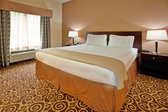 Holiday Inn Express Hotel & Suites Kansas City - Grandview: King Bed Guest Room