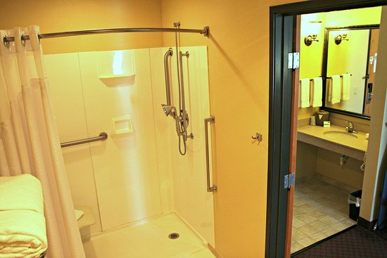 Lincoln, IL: Fully accessible two room bathroom with roll-in shower