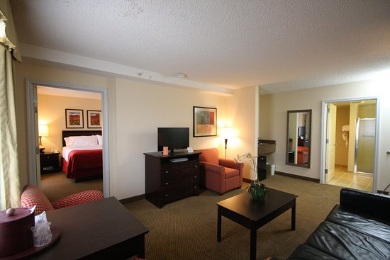 Hazlet, Nueva Jersey: Our largest suite with all your needs in mind