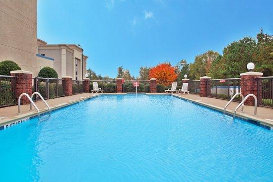 Holiday Inn Express Carrollton: Swimming Pool