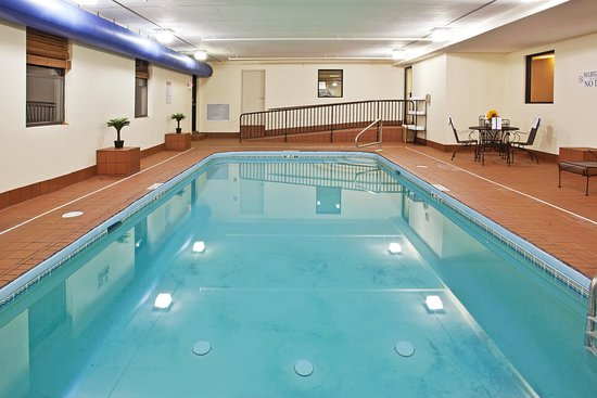 Holiday Inn Express London I-70: Swimming Pool