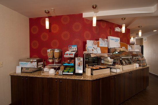 Holiday Inn Express Vernon: Express Start Breakfast Bar