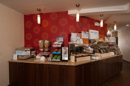 Vernon, CT: Express Start Breakfast Bar