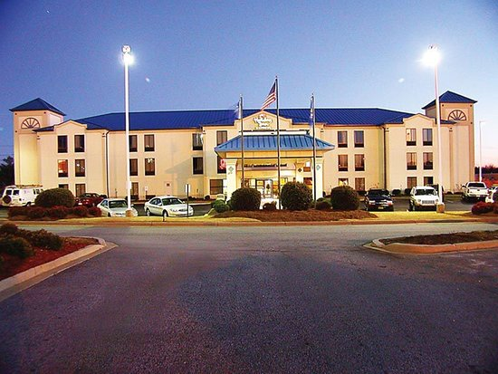 Holiday Inn Express Greer/Taylors is convenient to GSP Airport
