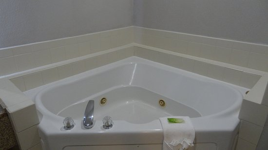 Bonner Springs, KS: Jacuzzi Suite