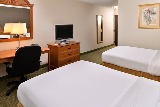 Holiday Inn Express Madison: Double Bed Guest Room