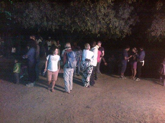 Taonga Safaris - Day Tours: Bon fire/people
