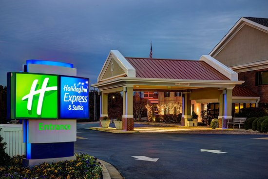 Holiday Inn Express Suites Corinth