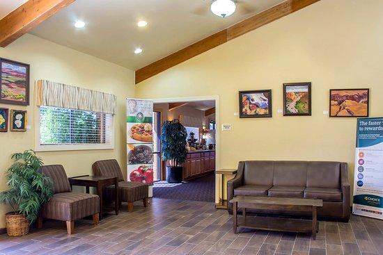 Wickenburg, AZ: Lobby