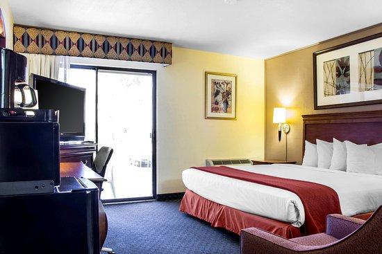 Wickenburg, AZ: King guest room