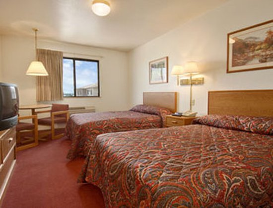 Missouri Valley, IA: Standard Two Double Bed Room