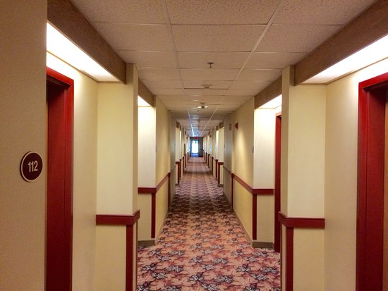 ‪‪Grand Summit Resort at Sunday River‬: Corridor view‬