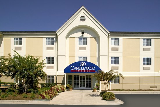 Candlewood Suites Dallas Park Central: Hotel Exterior