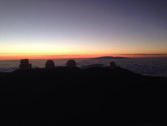 Looks Like Mars Driving Up Picture Of Mauna Kea Summit Kailua - Sunrise looks like mars