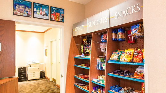 Staybridge Suites Fargo: Vending