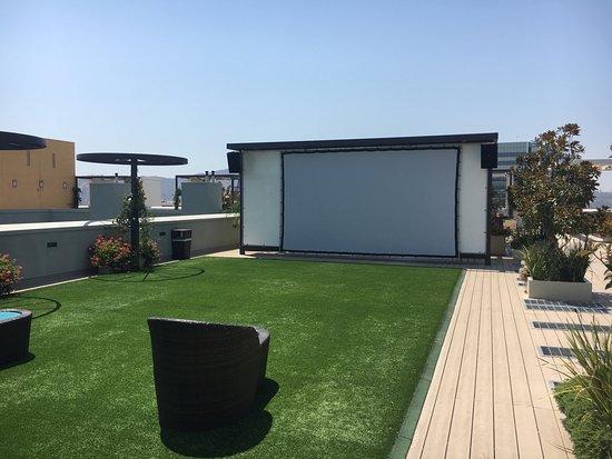 Sheraton Agoura Hills Hotel: We install fun!