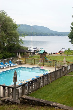 Alpine Village Resort: Closed off to the public - private pool and beach with dock.