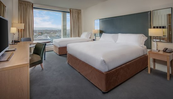 Hilton dublin kilmainham 131 1 8 7 updated 2018 prices hotel reviews ireland for Hilton kilmainham swimming pool