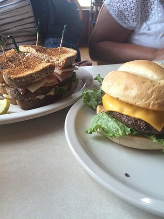 Coldwater, MI: BLT & Burger