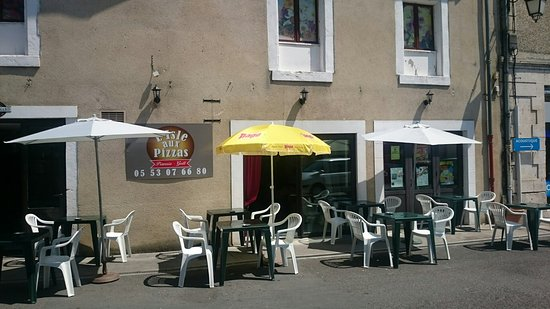 Saint-Astier, França: L Isle Aux Pizzas