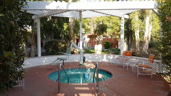 Mojave Resort: 20160805_074317_large.jpg