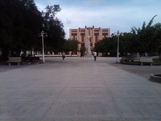 Parque Calixto Garcia: Vista general del parque
