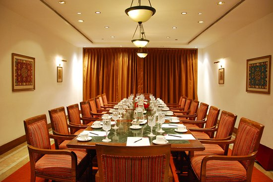 Crowne Plaza Kathmandu-Soaltee: Meeting Room- Boardroom