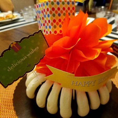 Nothing Bundt Cakes Town And Country Restaurant Reviews