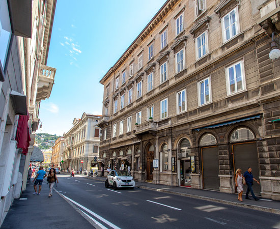 nuovo albergo centro hotel trieste italie voir les tarifs et 7 avis. Black Bedroom Furniture Sets. Home Design Ideas