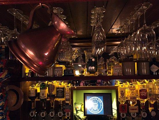 Giltraps Pub: Inside the pub